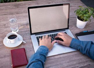 Jak zadbać o siebie podczas pracy zdalnej